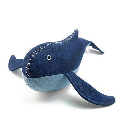 """Peluche décorative """"La baleine bleue"""""""